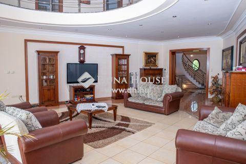 Eladó Ház, Hajdú-Bihar megye, Debrecen - Nagyerdőparki medencés luxusház erdőkapcsolattal!