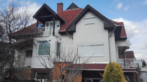 Eladó Ház, Veszprém megye, Balatonfüred - Panorámás 3 szintes ház Balatonfüreden