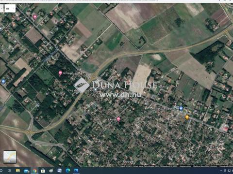 Eladó Telek, Bács-Kiskun megye, Kecskemét - 3 %-os, beépíthetőséggel, két utcáról nyíló telek!