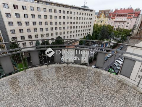 Eladó Lakás, Budapest - Balaton utcánál nagy erkélyes, napfényes lakás