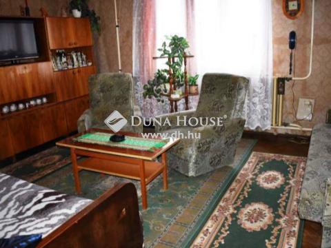 Eladó Ház, Szolnok