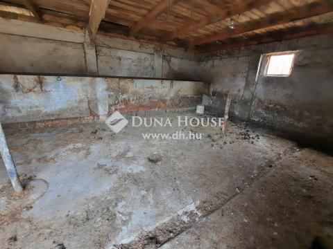 Eladó Ház, Bács-Kiskun megye, Kiskunfélegyháza - Állattartásra hobbi istállóval, ólakkal