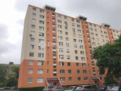 Eladó Lakás, Budapest - Kispest központi részén, szigetelt házban, 71 nm-es 2+2 félszobás, ERKÉLYES LAKÁS!