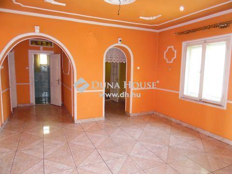 Eladó Ház, Hajdú-Bihar megye, Hosszúpályi - Központ közeli, 2 szobás családi ház.