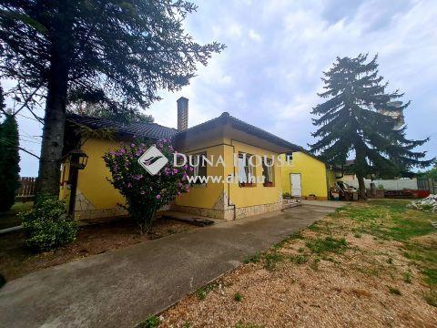 Eladó Ház, Pest megye, Százhalombatta - 2440 Százhalombatta Berzsenyi Dániel utca