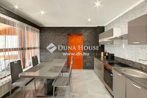 Eladó Ház, Budapest 19. kerület - Kétgenerációs ház autóbeállóval, kerttel
