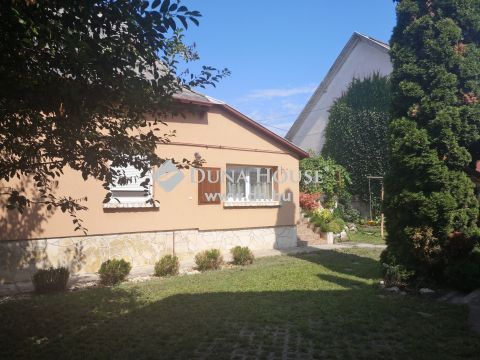 Eladó Ház, Fejér megye, Székesfehérvár - családi ház a Berényi út szomszédságában