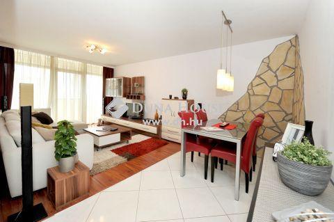Kiadó Lakás, Baranya megye, Pécs - Barbakánnál felújított 2 szoba+nappalis lakás