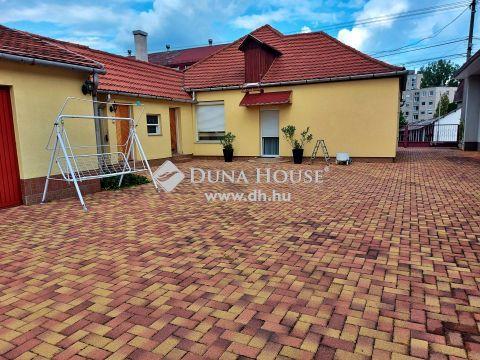 Eladó Ház, Komárom-Esztergom megye, Tatabánya - Tatabánya központjába